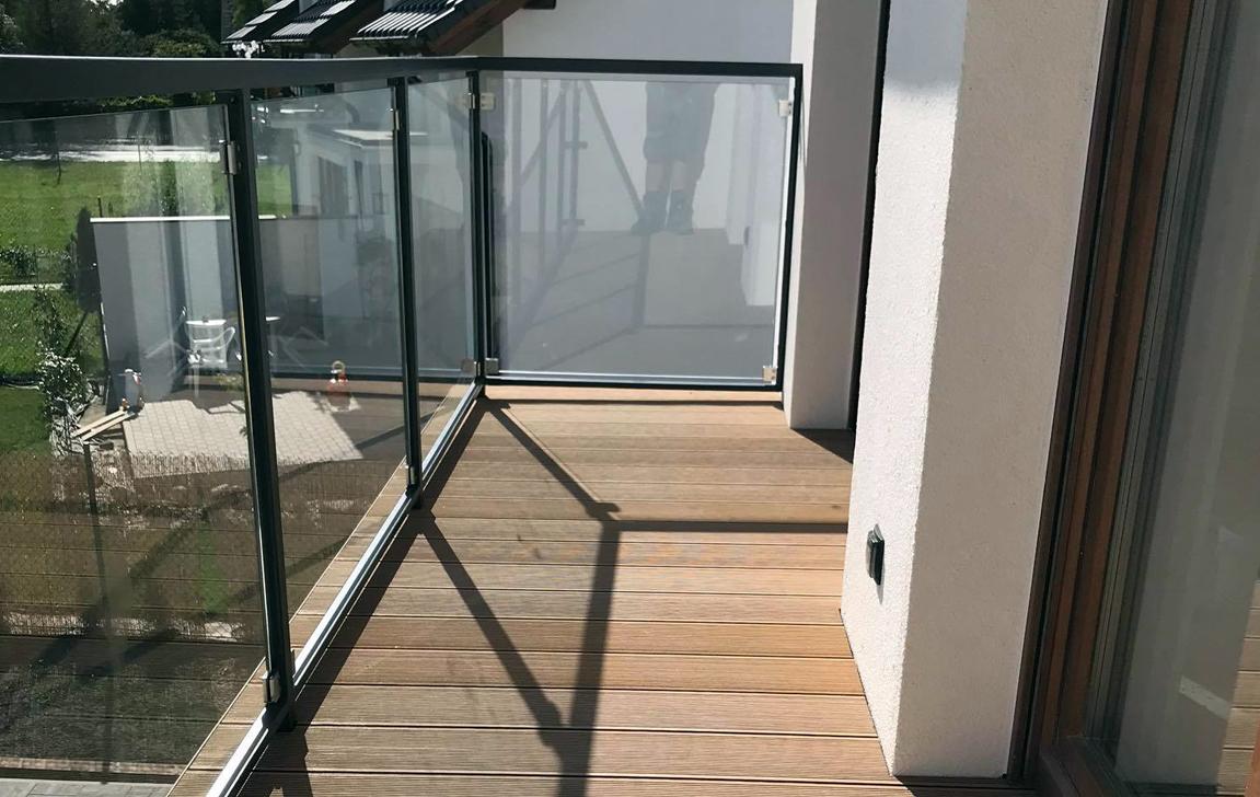 Wybierz nowoczesny wygląd balkonu z deską WPC